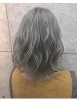 アールプラスヘアサロン(ar+ hair salon)ホワイトベージュカラー無造作カールボブディ