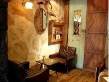 ミッテ(MITTE)の雰囲気(アンティークの家具と内装★カフェ風の店内)