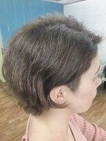 美容室エルカミノくせっ毛を生かしたショートスタイル