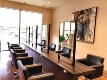 トータル ビューティー サロン ピュア 宝塚店(Total Beauty Salon Pure)の雰囲気(広々と居心地の良い店内)