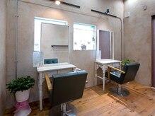 美容室 ホーム オアシス店(home)の雰囲気(落ち着きと明るさのあるお席で、リラックス◎)