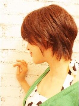 ヘアスタジオ クランプ(Hair studio CLAMP)の写真/2ヶ月たってもキレイなシルエット持続★確かなカット技術&似合わせ力で流行の短め前髪もこんなにオシャレに