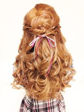 結婚式の髪型 ハーフアップ 愛されハーフアップ