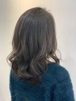 イーチ ディー ヘアーアンドトータルビューティー(each dee hair&total beauty)カーキグレージュ