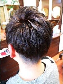 ヘアメイク エイムズ シュアーニューエイジ(HAIR&MAKE aim.s SUR UN NUAGE)の写真/すっきりとした印象で清潔感UP!!ワックスを付けるだけで簡単スタイリングも◎男性でも気軽に通いやすい♪