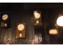 古民家salon 寫樂(SHARAKU)の雰囲気(冩楽こだわりのアンティーク時計たち♪)