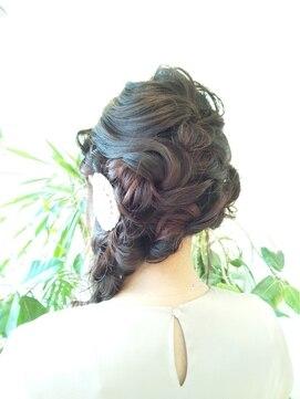 結婚式の髪型 ヘアアレンジ ゆるくしゅ☆編み込みアレンジ