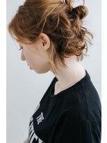 コットン(cotton)ゆるく柔らかくまとめ髪。