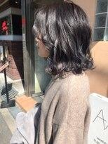 黒髮ミディ_厚めバング,ローライト,デザインカラー