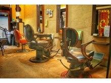 髪匠庵の雰囲気(中庭を見ながら、ゆったりとシャンプーやトリートメント♪)