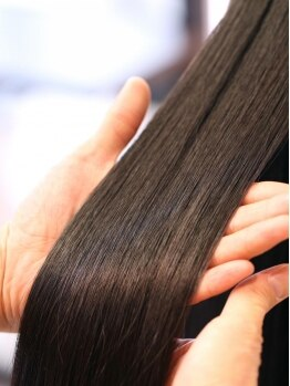 オプスヘアー 北浦和(OPS HAIR)の写真/髪質に合わせ10種類以上の薬剤の中から選定し、ブレンド。貴女だけのオリジナル縮毛矯正で、もう悩まない!!
