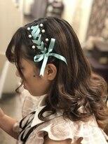 ヘアセットサロン アトリエ チャイ(Hair set salon atelier CHAI)カチューシャ風りぼんあみこみアレンジ