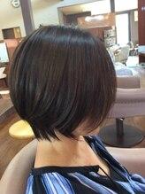 アリュール(ALLURE)前髪長めの大人かわいいショートボブ 大人気のひし形シルエット