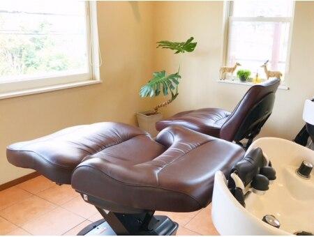 モイヘアーデザイン(moi hair design)の雰囲気(最新のシャンプー台は首や腰に負担がかからず快適です。)