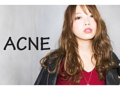 アクネ(ACNE)の写真