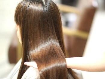 アドゥーヘア ヴィス(A do hair vis)の写真/思わず触れたくなる美髪へ…髪本来のツヤと輝きを―。お手入れがしやすく、サラサラヘアも思いのまま♪