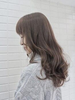 アンプレヴーアジュテ(Impre'vu ajoute)の写真/【元町トア/髪質改善/スパ】髪にも頭皮にも優しいカラー剤使用で、施術後の地肌と髪を健やかにー