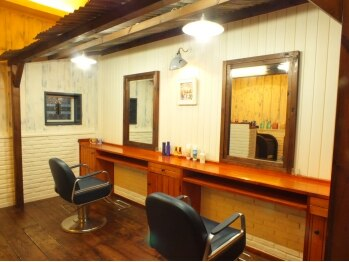 ヘアークリエイト ジャミング(Hair Create Jaming)の写真/【ホテル東日本向い/23時まで営業】店長の手造りの素敵な空間!60年代風のどこか懐かしい隠れ家サロン♪