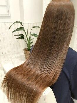 ベック(BECK)の写真/BECKのおすすめトリートメント登場★蓄積したダメージを徹底補修!トレンドのうるツヤ髪で色っぽstyleに♪