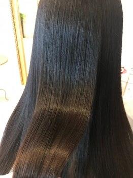 エルヴィータ(Elvita)の写真/本気で髪質改善したい方に!髪の補修は当たり前!髪質の悩みにしっかり応えるインカラミTrで憧れの美髪に☆