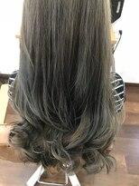 ヘアー チクタク(Hair Ciku-taku)ハイライト×アッシュグレー