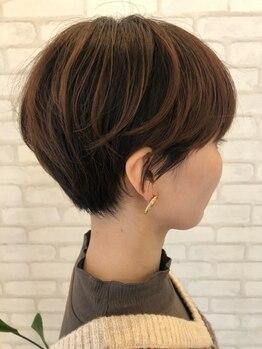 ピエールヘアーマーケット(Pierre Hair Market)の写真/明るさ×透明感ともにお洒落染め感覚で楽しめる♪豊富なカラバリで初めての白髪染めの方にもおすすめです◎
