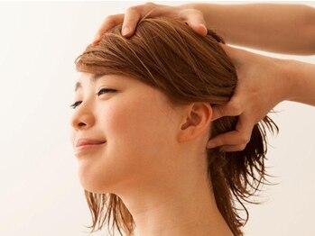 クレフ(clef)の写真/美しい素髪は健康な頭皮から♪頭皮環境を整えて、ハリ・コシのある若々しい髪へ導きます。