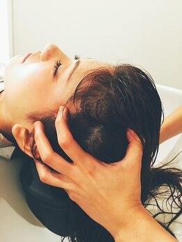 レアール アームス LeR amesの写真/炭酸で地肌と髪をケア♪リラクゼ-ション効果も♪凝り固まった頭皮をほぐしてくれる頭筋リリ-ススパもお勧め