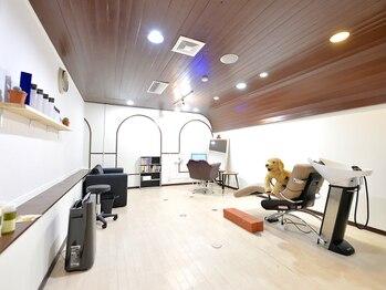 ヘアーアンドメイク ジズー(hair&make zizou)の写真/【カウンセリングから仕上げまで完全個室!!】お子様連れでもゆったりとくつろいで頂ける空間です♪