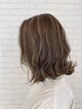 ビス ヘア アンド ビューティー 西新井店(Vis Hair&Beauty)大人可愛い外ハネボブ×ハイライト