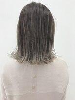 フィーユコパン(feuille copain)チャコールグレージュ×春色で可愛く★feuille中村大輔