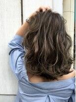 ウィルゴ(VIRGO)【ハイライトカラー】ミディアムヘアに合うハイライトカラー