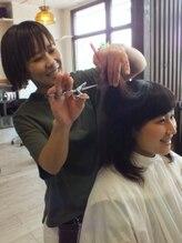 ルーバーブヘアー(Rhubarb hair)