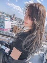 ピース ヘアアンドエステ(Piece hair&esthe)シルバーアッシュでカッコ可愛いグラデーションカラー☆