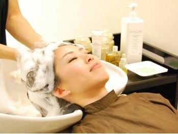 ミレニアム ニューヨーク 新所沢店(MILLENNIUM NEW YORK)の写真/頭皮、今日も元気!キュッとした地肌で髪の毛もきれいにさらさら♪毛穴に詰まった汚れ・皮脂もスッキリ★