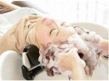 ビューティシモ 川越(Beautissimo)の写真/《選べる香り》完全個室&フルフラットのシャンプー台でのヘッドスパで夢心地♪至福のひと時を…♪