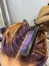 頭皮にカラー剤をつけない染め方ゼロテクで地肌へダメージやかゆみの刺激なし♪髪の立ち上がりまで美しく↑
