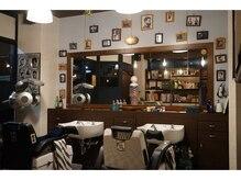 ピノ パーマー デ バーバー(PINO Permer de Barber)の雰囲気(シックで落ち着ける♪どこか懐かしい空間でゆっくりできます☆)