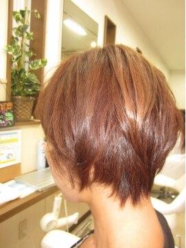 コアフィールフィス(COIFFURE fils)ピンクアッシュでつや髪