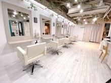 ヘアースタジオ ゼン(hair studio Zen)の雰囲気(西海岸などをイメージし、白を基調とした清潔感のある店内!)
