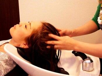 クローチェ (Croce Hair Design)の写真/髪のハリやコシ、カラーの色モチもUPさせる21種類の植物美容エキスを配合したSPA☆+極上のマッサージ♪