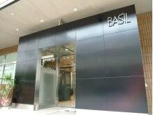 バジル(BASIL)の雰囲気(植田駅1分♪ 店前には駐車場あるのでアクセス超便利◎)