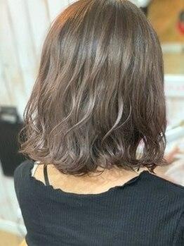 プレイス(+PL@s)の写真/おしゃれ女子必見!!【全員☆イルミナorアンヴィエカラ―+カット¥7500】透明感抜群のあなただけの髪色に♪