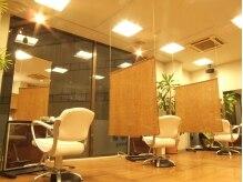 コブズヘアーファクトリー(COB'S hair factory)の雰囲気(1対1で丁寧に。こじんまりとしたスペースなので相談も気軽に♪)