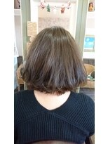ヘアサロンアンドリラクゼーション マハナ(Hair salon&Relaxation mahana)アッシュ系カラーで透明感を♪ふんわりボブスタイル♪