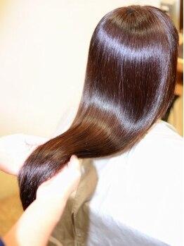 オプスヘアーアネロ(OPS HAIR ANELLO)の写真/【毛先まで極上艶髪に★最高級トリートメント使用!!】髪の傷み修復にとことん向き合ってくれるサロン♪