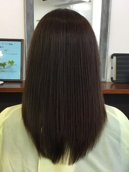 """ヘアーサロンソラ(hair salon sora)の写真/うねりやクセを抑え、ナチュラルな仕上がりのストレートヘアが人気の""""sora""""風になびく、サラサラの髪に♪"""