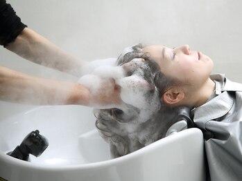 にしはら 美容室の写真/カラー後の極上スパで、モチ・手触り◎!!頭皮も髪も、お肌と同じ様にクレンジングでキレイに★