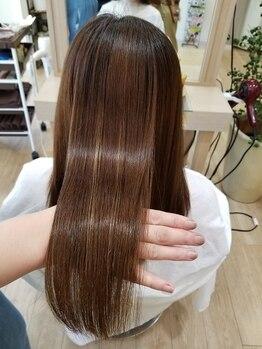 プッカ ヘアー(pukka hair)の写真/自分至上、一番好き!と思える髪になれるストレート☆あなたにぴったりの柔らかく自然な仕上がりに…。
