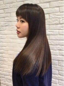 ティコラ ヘアファクトリー(teaco.la hair factory)の写真/【長岡◆駐車場完備】高純度美容液配合トリートメントで圧倒的美髪を叶える―…ぷるんと艶めくサラツヤ髪に